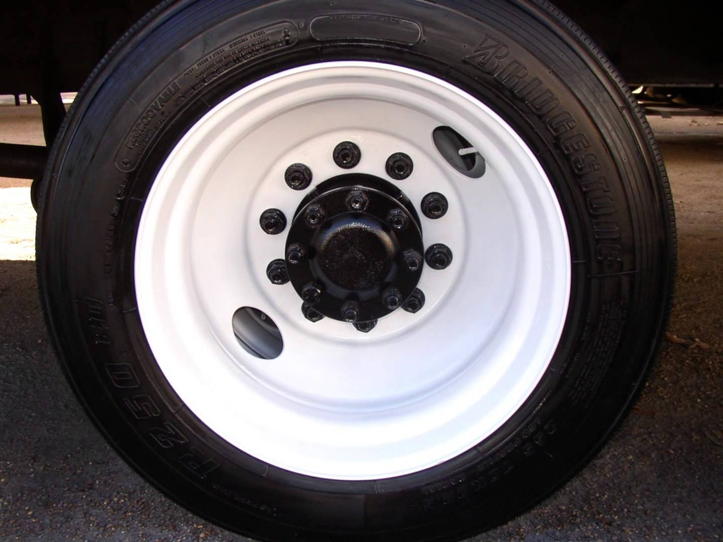Painting Truck Bus Trailer Wheels With Tire Mask Kansas City Repair By Ustrailer